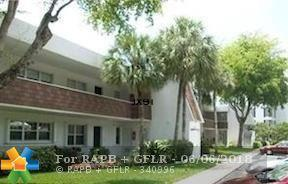 3700 Oaks Clubhouse Dr #202, Pompano Beach, FL 33069 (MLS #F10126256) :: Green Realty Properties