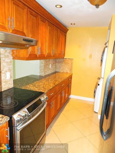 890 SW 9th Street Cir #202, Boca Raton, FL 33486 (MLS #F10126289) :: Green Realty Properties