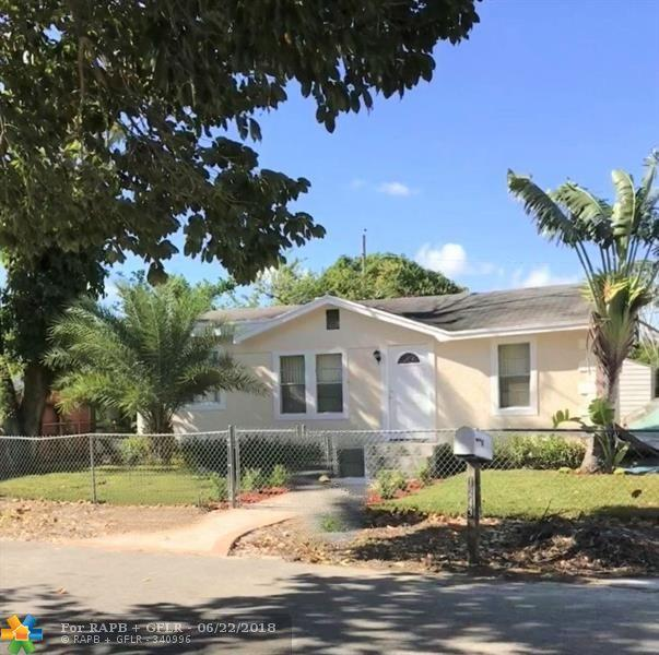 1243 Sunset Rd, West Palm Beach, FL 33406 (MLS #F10128450) :: Green Realty Properties