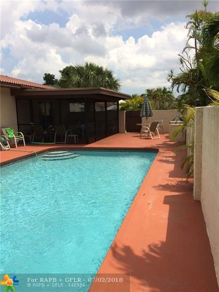 9060 NW 32nd St, Coral Springs, FL 33065 (MLS #F10130012) :: Green Realty Properties