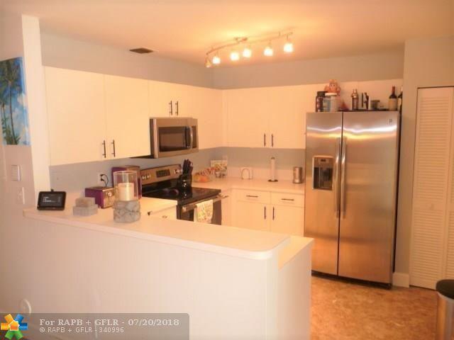 4433 SW 11th Pl #4433, Deerfield Beach, FL 33442 (MLS #F10130103) :: Green Realty Properties