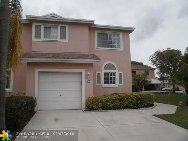 4753 SW 14th Pl #4753, Deerfield Beach, FL 33442 (MLS #F10130407) :: Green Realty Properties