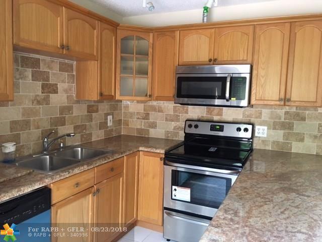 3315 Spanish Wells 49-D, Delray Beach, FL 33445 (MLS #F10134404) :: Green Realty Properties