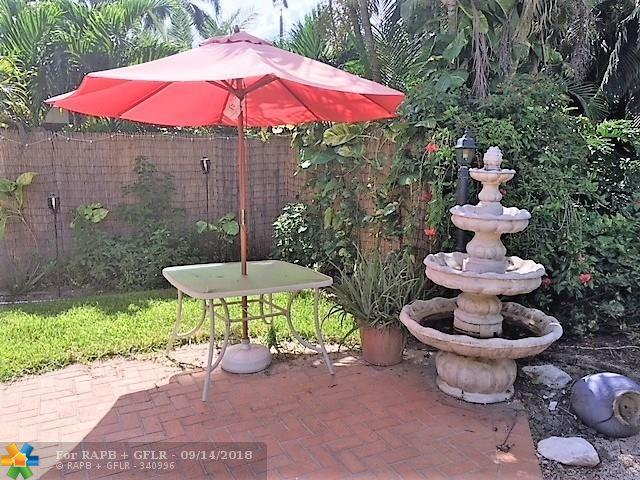 740 NW 38th St, Oakland Park, FL 33309 (MLS #F10135009) :: Green Realty Properties