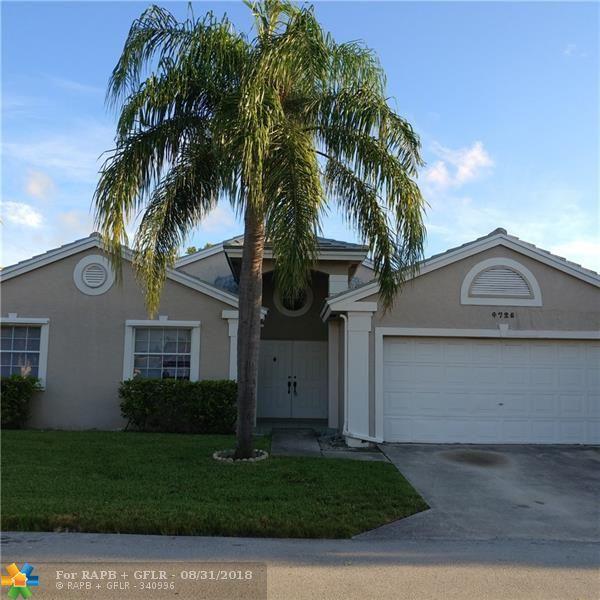 4725 NW 3rd St, Deerfield Beach, FL 33442 (MLS #F10138488) :: Green Realty Properties