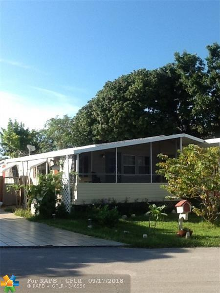 8700 SW 23rd Pl, Davie, FL 33324 (MLS #F10141187) :: Green Realty Properties