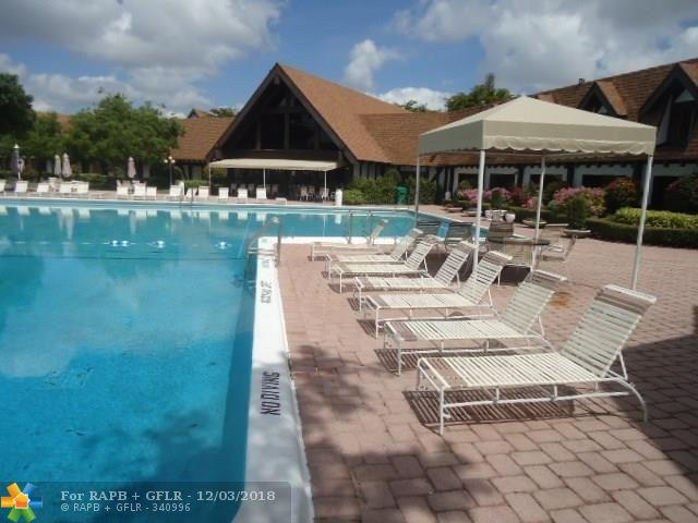 3690 Inverrary Dr 3X, Lauderhill, FL 33319 (MLS #F10148748) :: Green Realty Properties