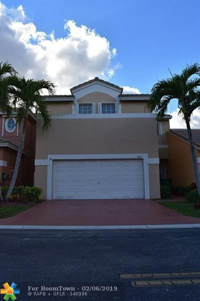 5684 NW 119th Way ., Coral Springs, FL 33076 (MLS #F10149533) :: EWM Realty International