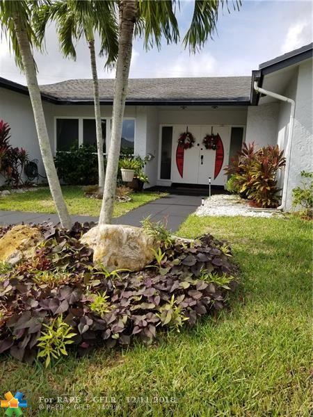 4807 Holly Dr, Tamarac, FL 33319 (MLS #F10152908) :: Castelli Real Estate Services