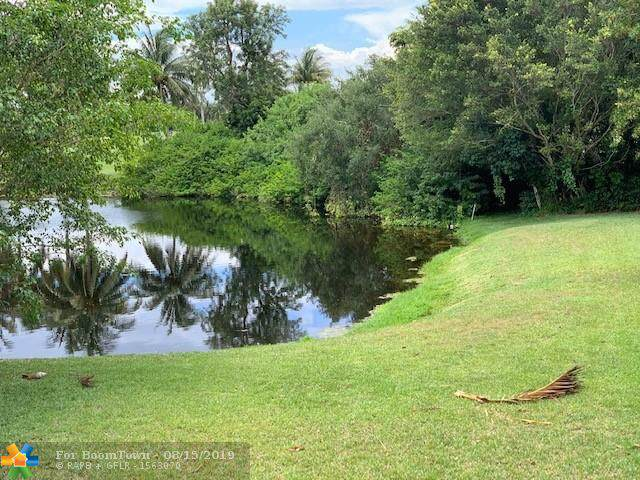 191 Wimbledon Lake Dr 7-44, Plantation, FL 33324 (MLS #F10176182) :: The Paiz Group