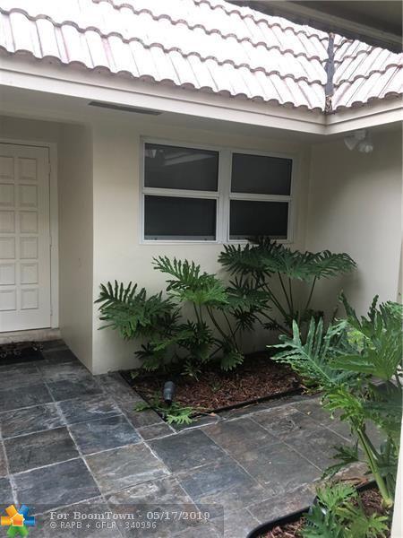 911 Cypress Grove Dr #911, Pompano Beach, FL 33069 (MLS #F10176361) :: Castelli Real Estate Services