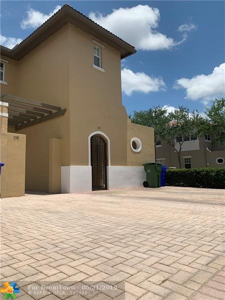 532 SW 147th Ave #10, Pembroke Pines, FL 33027 (MLS #F10178286) :: Berkshire Hathaway HomeServices EWM Realty