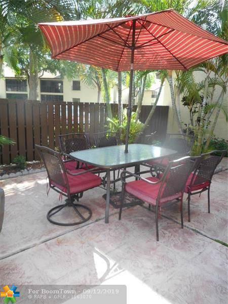 3785 Cocoplum Cir #3785, Coconut Creek, FL 33063 (MLS #F10188124) :: Berkshire Hathaway HomeServices EWM Realty