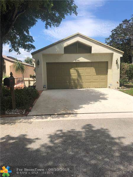 2261 NW 34th Ter, Coconut Creek, FL 33066 (MLS #F10190393) :: The O'Flaherty Team