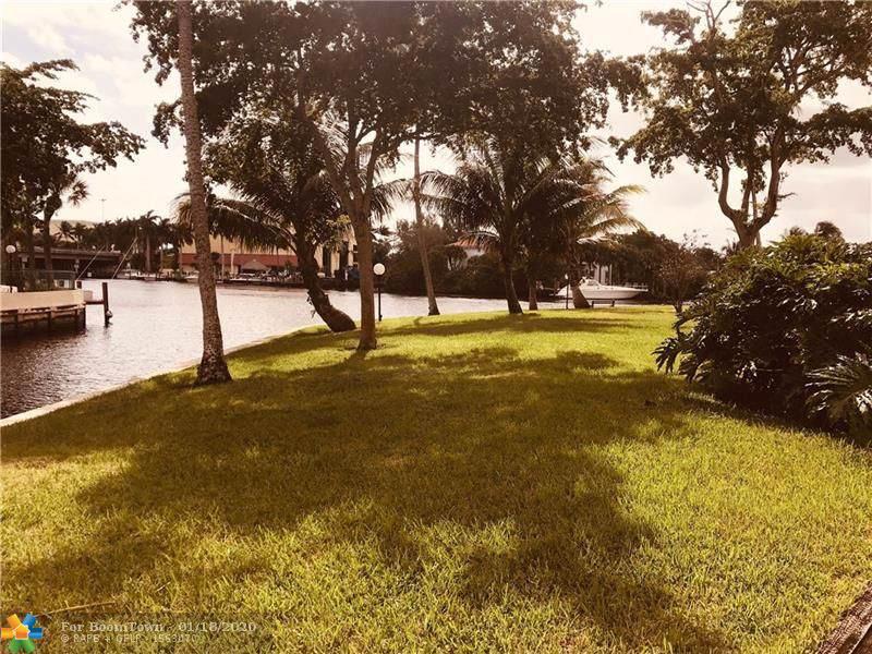 7 Royal Palm Way - Photo 1