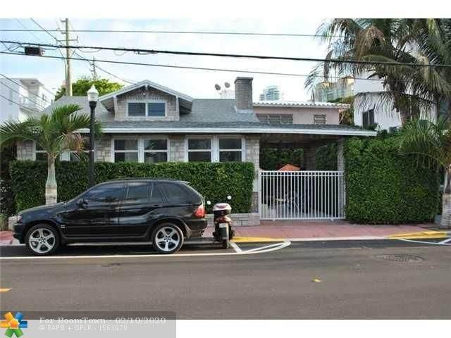 828 4th St, Miami Beach, FL 33139 (MLS #F10213219) :: Green Realty Properties
