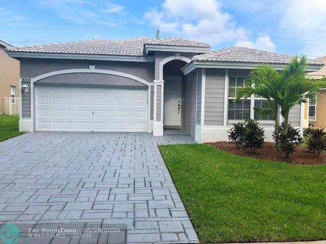 8000 NW 70th Ave, Parkland, FL 33067 (MLS #F10231372) :: The Paiz Group