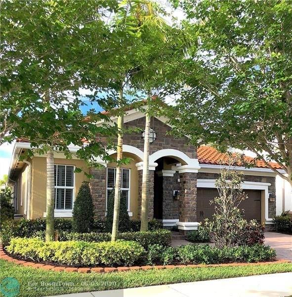 10300 Lake Vista Ct, Parkland, FL 33076 (MLS #F10232421) :: The Paiz Group