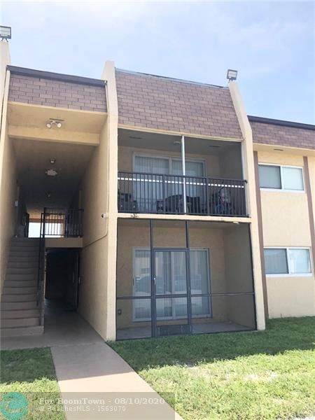 2834 NW 55th Ave 1C, Lauderhill, FL 33313 (MLS #F10237877) :: Berkshire Hathaway HomeServices EWM Realty