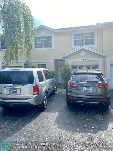 5033 SW 121st Ter #5033, Cooper City, FL 33330 (MLS #F10240758) :: Green Realty Properties