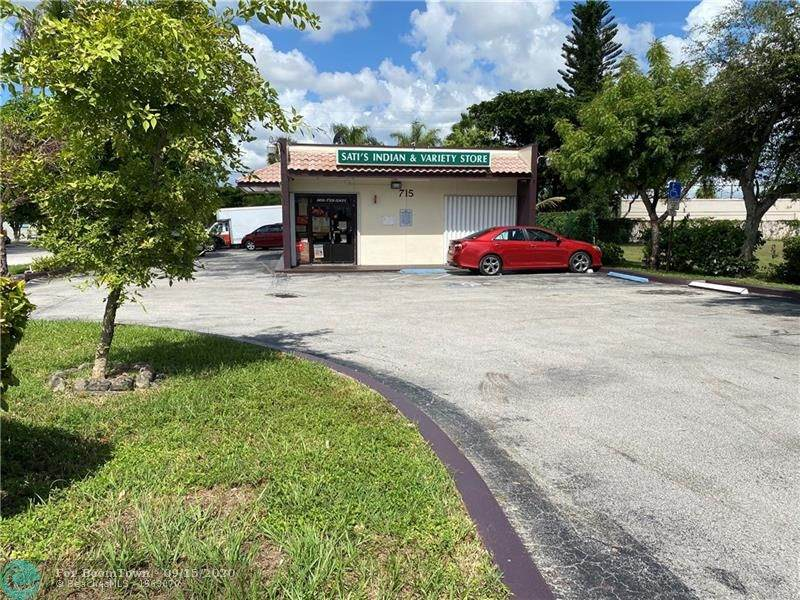 715 State Road 7 - Photo 1
