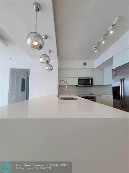 325 S Biscayne Blvd #1915, Miami, FL 33131 (MLS #F10256556) :: Berkshire Hathaway HomeServices EWM Realty