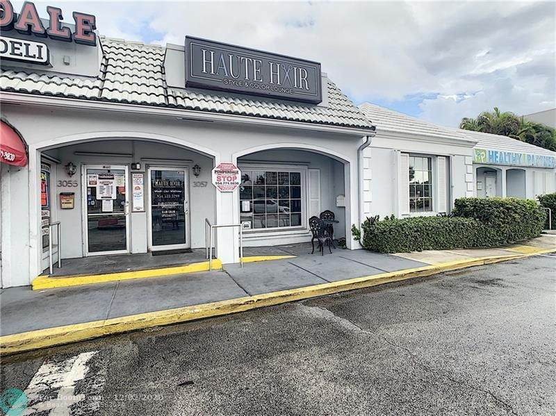 3057 Commercial Blvd - Photo 1