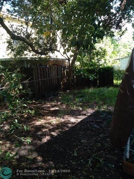 210 SW 7th St, Dania Beach, FL 33004 (MLS #F10257920) :: Berkshire Hathaway HomeServices EWM Realty