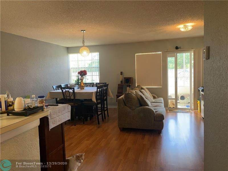2861 Oakland Forest Dr - Photo 1