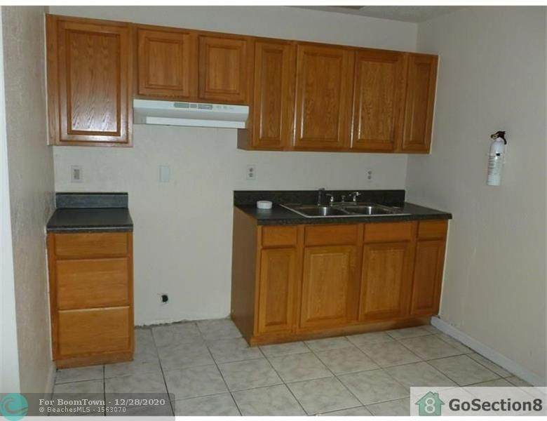 429 12th Ave - Photo 1