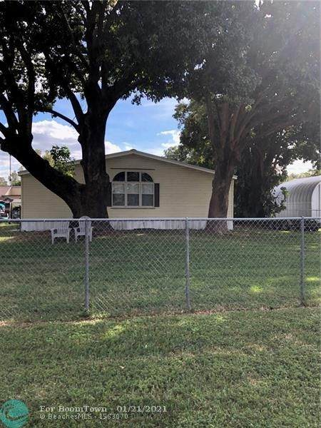 12940 SW 15th St, Davie, FL 33325 (MLS #F10267557) :: Green Realty Properties