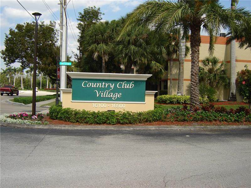 16300 Golf Club Rd - Photo 1