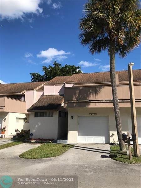 834 NW 81st Way #8, Plantation, FL 33324 (MLS #F10277079) :: Berkshire Hathaway HomeServices EWM Realty