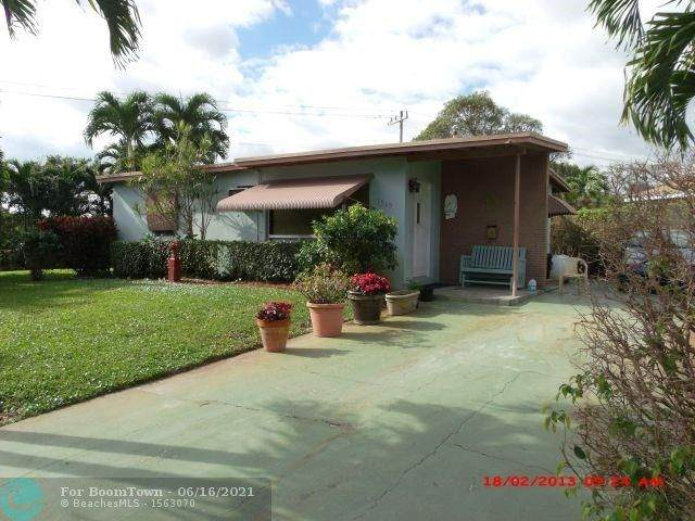 1560 NE 42nd St, Pompano Beach, FL 33064 (#F10278985) :: Ryan Jennings Group