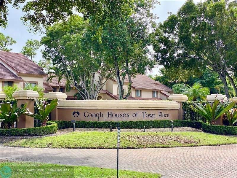 5800 Coach House Circle - Photo 1
