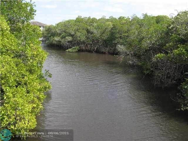 222 SW Indian Groves, Stuart, FL 34994 (MLS #F10295593) :: Castelli Real Estate Services
