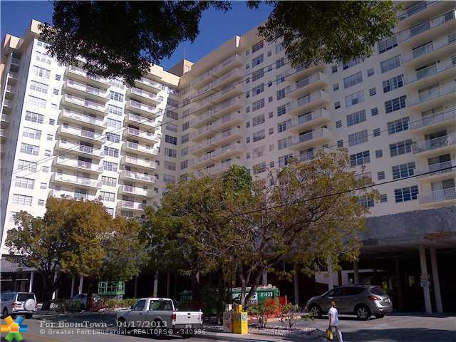 137 Golden Isles Dr #401, Hallandale, FL 33009 (MLS #F1233994) :: Green Realty Properties