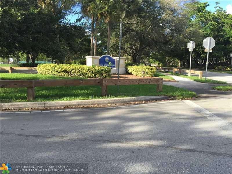 11340 NW 45th Pl, Sunrise, FL 33323 (MLS #F10031425) :: United Realty Group