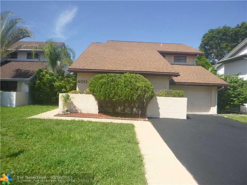4011 SW 82nd Ter, Davie, FL 33328 (MLS #F10031721) :: United Realty Group