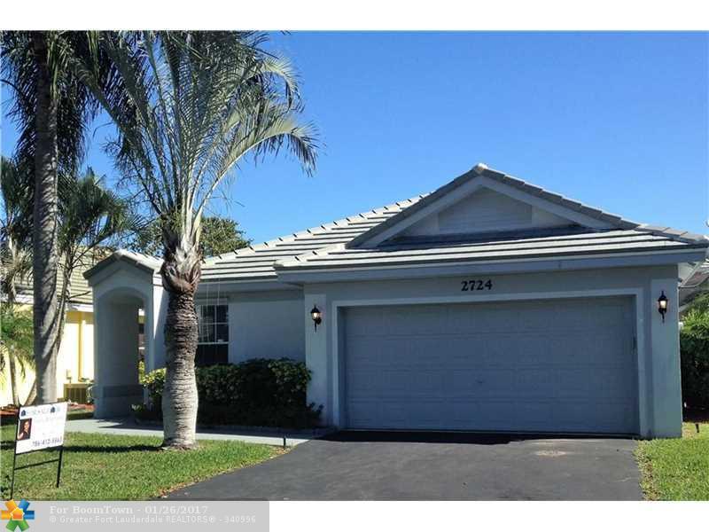 2724 Pinewood Ct, Davie, FL 33328 (MLS #F10037541) :: United Realty Group