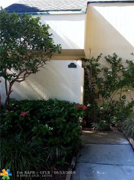 49 Deer Creek Rd E 103, Deerfield Beach, FL 33442 (MLS #F10107313) :: Green Realty Properties