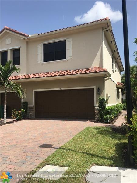 5931 NW 56th Pl #5931, Tamarac, FL 33319 (MLS #F10121833) :: Green Realty Properties