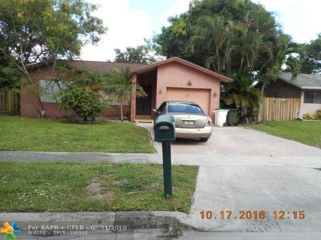 4963 NW 10th St, Coconut Creek, FL 33063 (MLS #F10127461) :: Green Realty Properties
