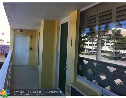 2400 NE 9th St #201, Fort Lauderdale, FL 33304 (MLS #F10131873) :: Green Realty Properties