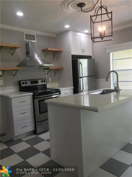 1034 NE 34th St, Oakland Park, FL 33334 (MLS #F10132708) :: Green Realty Properties