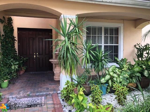 110 Ibisca Ter, Royal Palm Beach, FL 33411 (MLS #F10133664) :: Green Realty Properties