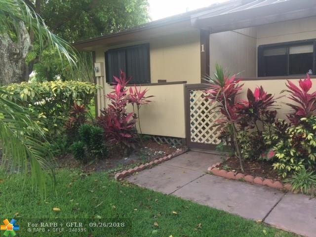 1 Mayfair Ln #1, Boynton Beach, FL 33426 (MLS #F10136980) :: Green Realty Properties