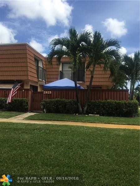 2925 SW 11th Place #2925, Deerfield Beach, FL 33442 (MLS #F10137412) :: Green Realty Properties