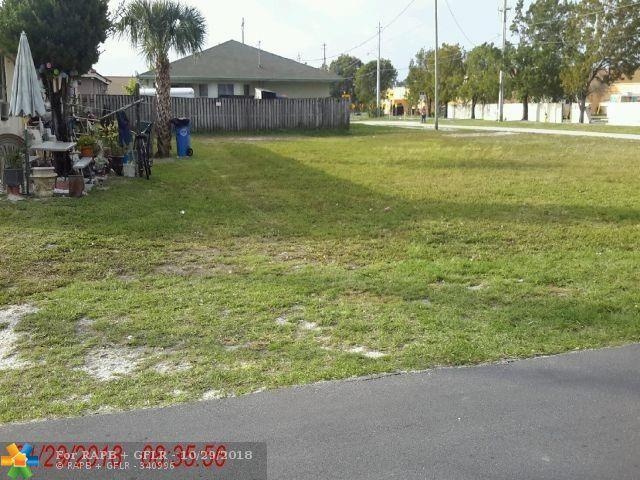 150 NE 35th St, Oakland Park, FL 33334 (MLS #F10144013) :: Green Realty Properties
