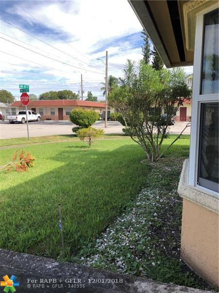 3132 NW 40th Ct, Lauderdale Lakes, FL 33309 (MLS #F10151054) :: Green Realty Properties